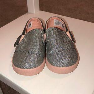 ❤️EUC❤️ Pink iridescent glitter tiny TOMS